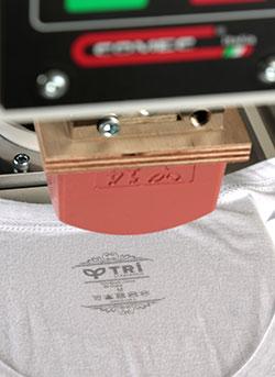 Etiketsiz baskıda inkprint baskı yöntemi kullanılır.